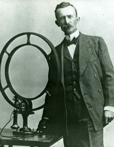 Stubblefield (1908) with his later, induction, wireless telephone