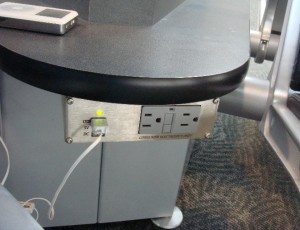 Take advantage of Airport Outlet